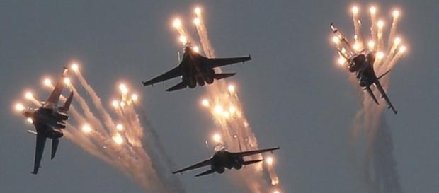 Un video surprinde momentul când 200 de jihadiști au fost anihilați de un atac al bombardierelor rusești în Siria - Foto: Daily Mail