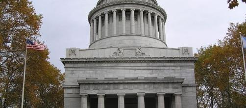 Grant's Tomb (Anthony22 wikimedia commons)