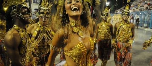 Juliana Paes retorna ao Carnaval em 2018 como rainha de bateria da Grande Rio