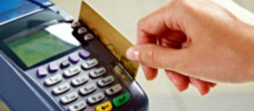 Juro do cartão de crédito rotativo volta a subir