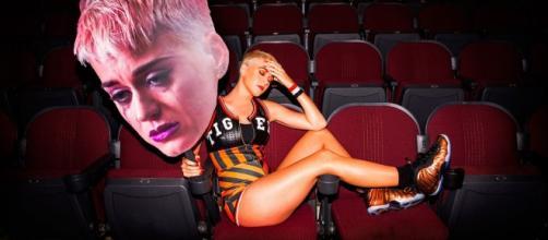"""La cantante Katy Perry en el Behind the Scenes de su vídeo """"Swish Swish"""" (vía - Google)"""