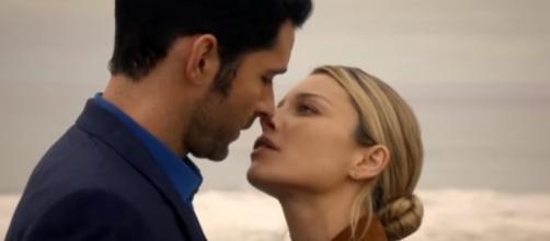 "Lucifer and Chloe kiss in ""Lucifer"" Season 2. (Photo:YouTube/Silver Edits)"