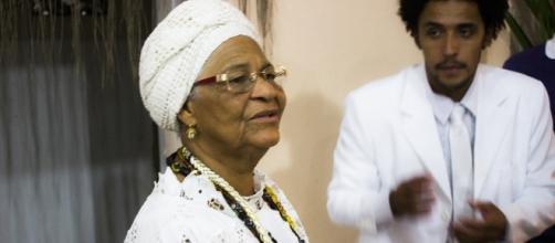 Mam'etu Mabeji é a dirigente do terreiro Bate Folha no Rio