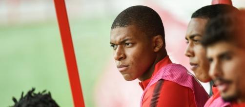 Mercato PSG : pourquoi le transfert de Mbappé est compliqué - rtl.fr