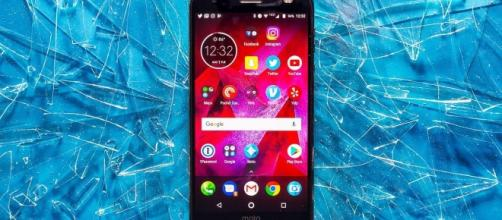 Motorola's latest flagship smartphone, the Moto Z2 Force.(Credit:- The Verge/ You Tube)