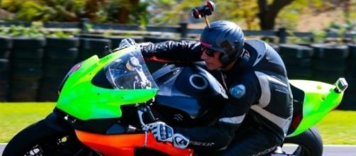 "O piloto Thiago Bortoletto, na Fazenda Capuava (Foto de Mori Action Media ""Shibud"")"