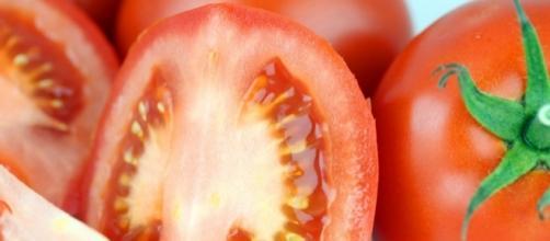 O tomate é rico em antioxidantes e vitamina C, mas dizem que a sua semente faz mal à saúde