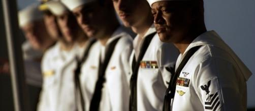 US navy seamen the backbone of 7th fleet. Photo credit. pixabay.com/en/us-navy-sailors-lined-up-line-row-81492/