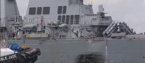 US Navy Ship USS John S. McCain Limps Into Singapore Naval Base After Collision [Image via Youtube: AiirSource Military]