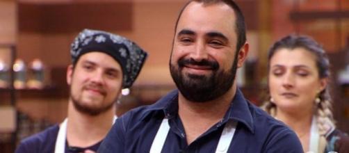 """""""Vida nova"""", escreveu o cozinheiro nas redes sociais."""