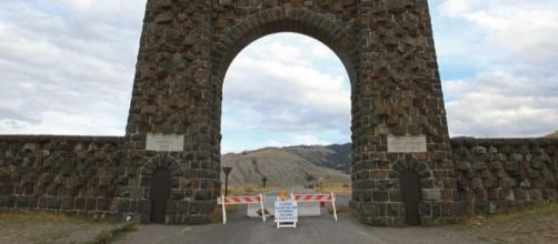 Yellowstone National Park closed during government shutdown. / [Image by Yellowstone National Park via Flickr, Public Domain]