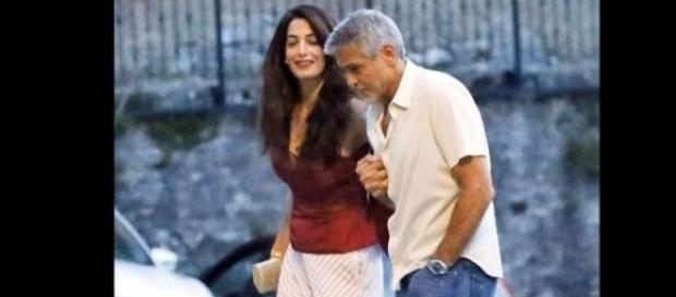 George and Amal Clooney were spotted at Lake Como, Italy with some friends. Image via YouTube/EasyTech
