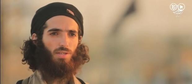 ISIS warns of more terror attacks in Spain in an online video [Image: YouTube/El Pais]