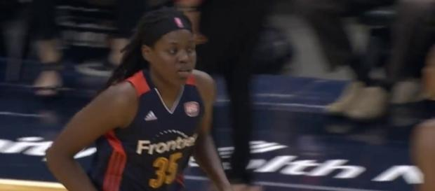 Jonquel Jones' double-double on Wednesday helped Connecticut grab a home victory for a 20th win this season. [Image via WNBA/YouTube]