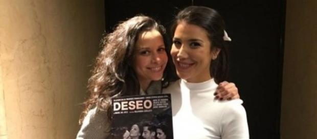Julieta Ortega y Andrea Rincón posando juntas para la prensa