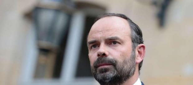 Pouvoir d'achat, contrats aidés, Hollande : les réponses d'Edouard ... - sudouest.fr