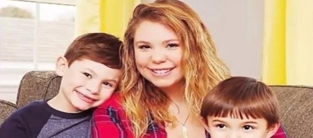 'Teen Mom 2' star Kaily Lowry with sons Isaac and Lincoln / Photo via TheFame , YouTube