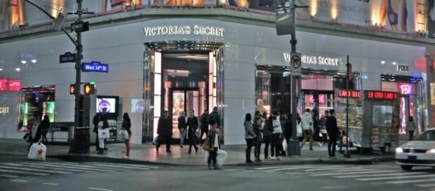 Victoria's Secret store / Photo via torbakhopper, Flickr