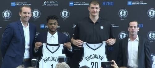 Brooklyn Nets' D'Angelo Russell and Timofey Mozgov (via YouTube - Real Ximo Pierto)
