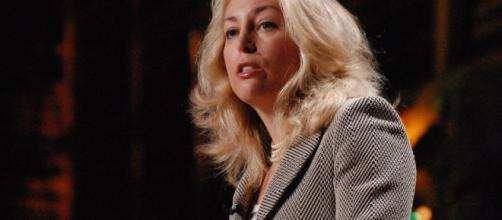 Former CIA agent Valerie Plame Wilson wants to purchase Twitter [Image via Flickr: Red Maxwell]