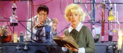 Jerry Lewis e Stella Stevens em ''O Professor Aloprado'' (1963)