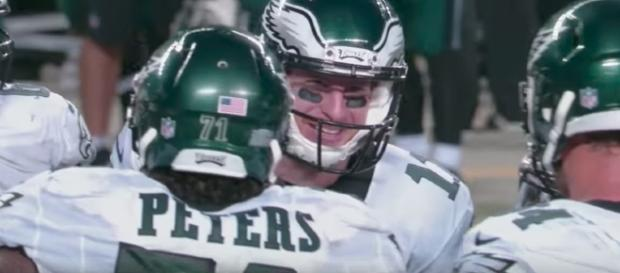 Carson Wentz threw two touchdowns in the Eagles' 38-31 win over Miami on Thursday night. [Image via NFL/YouTUbe]
