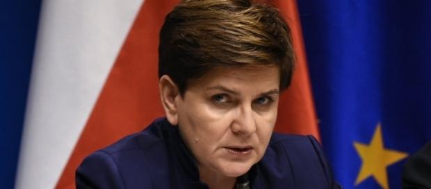 La Première ministre polonaise prête à en découdre avec Macron.
