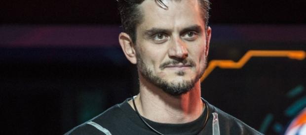 """Marcos Harter, ex-BBB 2017, participará de """"A Fazenda"""""""