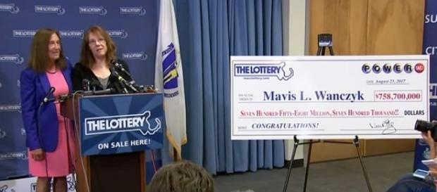 Mavis L. Wanczyk won the big jackpot [image: Fox News/YouTube screenshot]