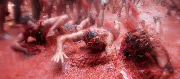 There will be additional security at La Tomatina in Bunol, Spain this year [Image: Wikimedia by flydime/CC BY-SA 2.0]