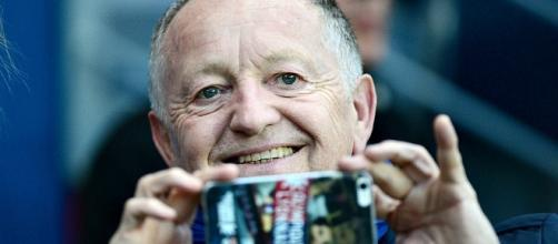 "Aulas traite de ""blaireau"" un supporter lyonnais - football.fr"