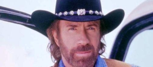 Chuck Norris colpito da un duplice infarto | Caffeina Magazine - caffeinamagazine.it