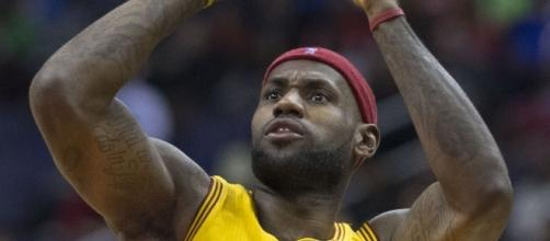 LeBron James put up the jump shot | Wikimedia Commons