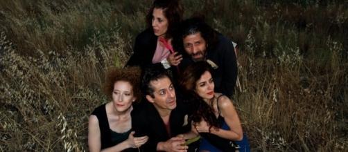 LOS DESIERTOS CRECEN DE NOCHE, de José Sanchis Sinisterra | Teatro ... - teatrodelbarrio.com