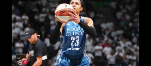 Maya Moore's 24 points helped lead Minnesota to victory over San Antonio on Friday night. [Image via WNBA/YouTube]
