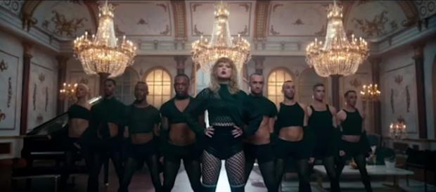Taylor Swift - YouTube screenshot | Awesomeness TV/https://www.youtube.com/watch?v=81cwQ6HJdMc