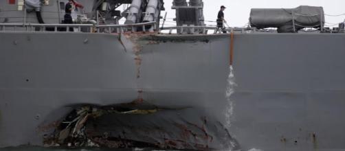 amage to the portside of USS John S. McCain (DDG 56). (U.S. Navy photo by Mass Communication Specialist 2nd Class Joshua Fulton)