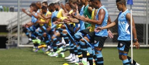 Atleta se lesiona e perderá o restante da temporada do Grêmio