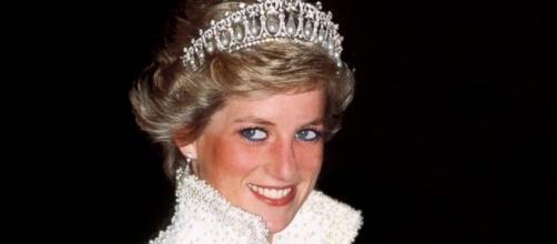 Garden dedicated to Princess Diana opens at Kensington Palace ... - go.com