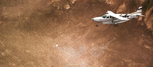 nazca-lines-hummingbird-900.jpg - go2peru.com
