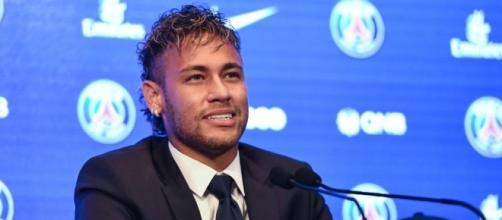 PSG - Dani Alves et Neymar s'activent pour recruter Sanchez - madeinfoot.com