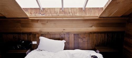 Sleep, Bed, Woman, Bedroom, Sleeping, Dream, Tired / Photo via Pixabay, pixabay.com