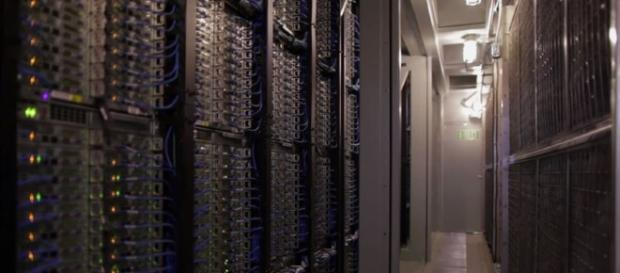 Apple plans to build an Iowa data center that fully runs with renewable energy - YouTube/Microsoft Datacenters