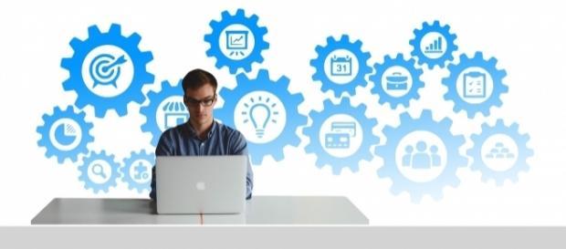 Social media skills allow job seekers to leverage those skills into jobs | Photo via Pixabay