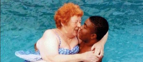 Angela con il giovane marito nigeriano