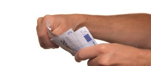 Pay, Cash, Borrowing - Image via Pixabay
