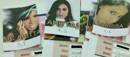 Professor de inglês criou escala de notas baseada na cantora Anitta. Foto: Reprodução/Facebook/Mak Keiber.