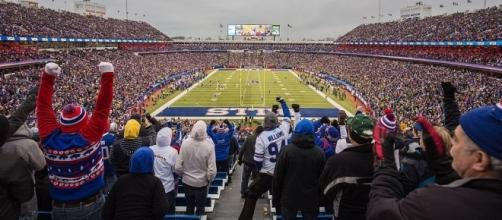 Ralph Wilson Stadium [Image by Idibri |Wikimedia Commons| Cropped | CC BY-2.0 ]