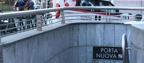 Segnalati sputi nelle zone riservate ai non vedenti della metro di Torino