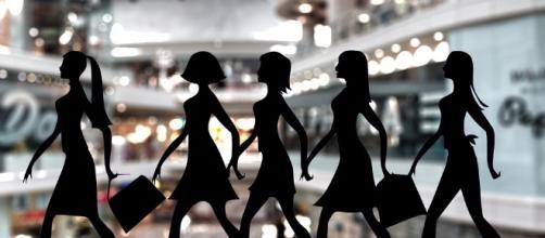 Shoppers are ready. Image via Pixabay